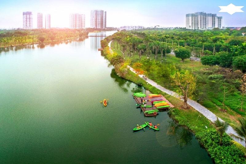 Trải nghiệm bộ môn chèo thuyền Kayak ngay tại hồ Thiên Nga