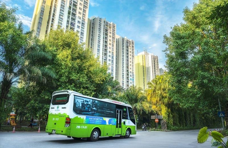 Đến công viên hồ Thiên Nga bằng xe buýt