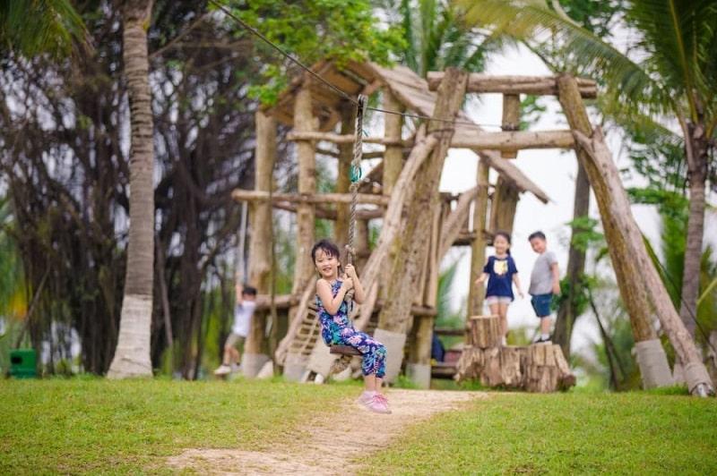 Khu vui chơi nhà gỗ hồ Thiên Nga