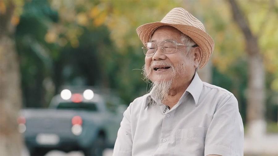 Ecopark tạo ra nụ cười cho người già