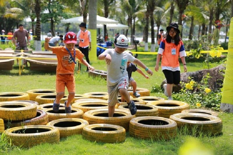 Khu vui chơi gỗ tại công viên Hồ Thiên Nga
