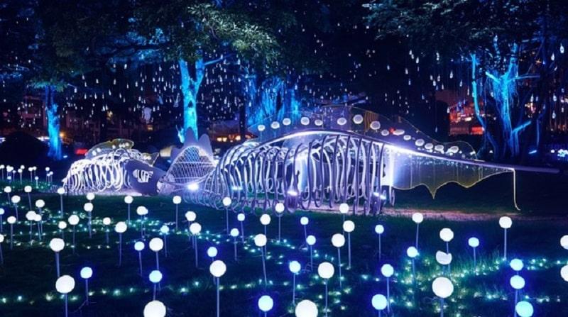 Vườn thượng uyển được trang bị gần 100 bóng đèn led