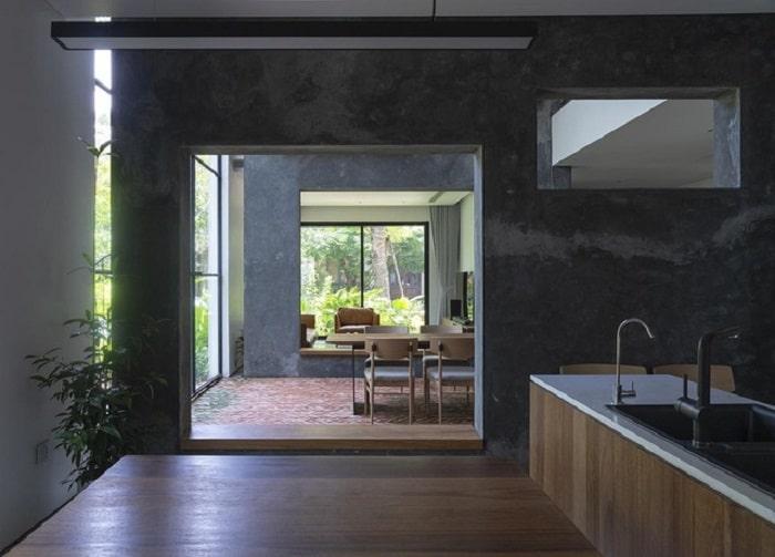 Ngôi nhà xây không cửa sổ để kết nối các không gian với nhau.